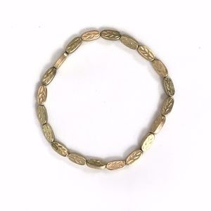Stretchy Gold Tone Leave Shapes Beads Bracelet